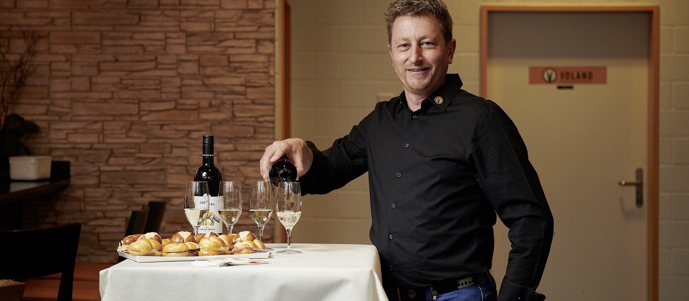 Wein bei Baeckerei Voland Rene Schweizer Apero